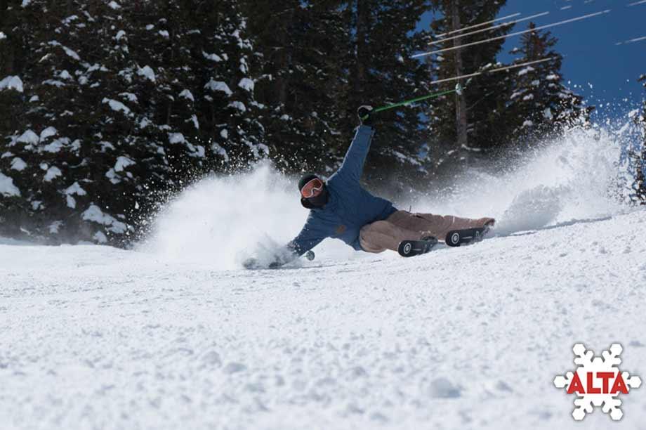 Skiing Alta