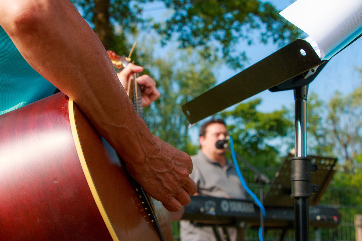 snowbasin brews, blues, and bbqs play