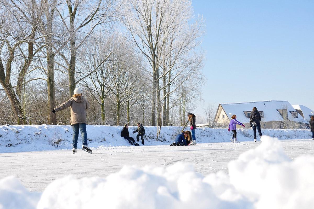 ice skating in huntsville utah winter wonderland