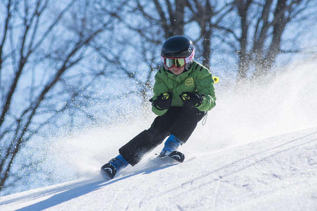 skiing things to do in winter wonderland